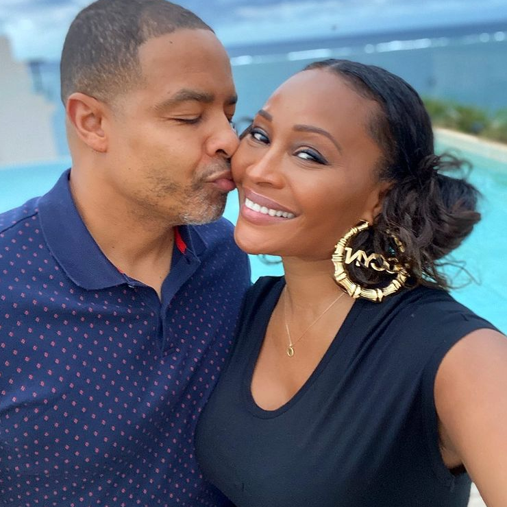 Mike Hill and Cynthia Bailey Kiss