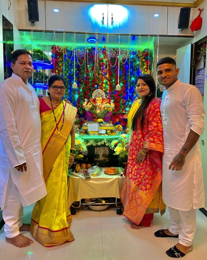 Amey Ranawade Family