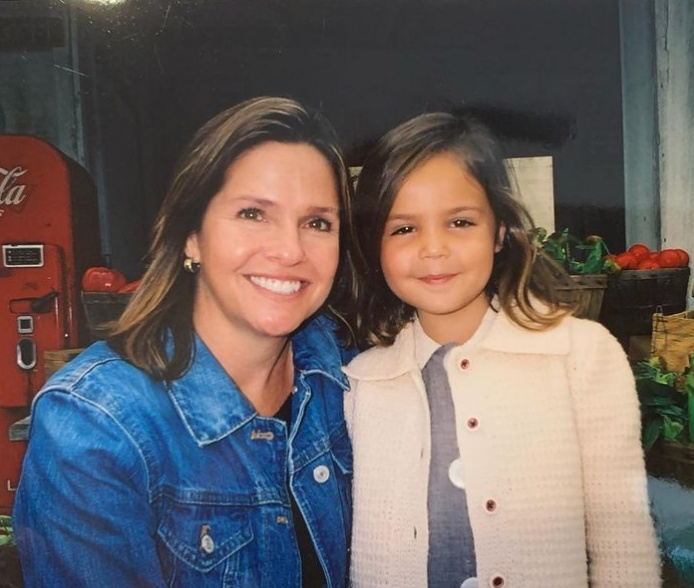 Bailee Madison with her beautiful mother