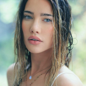 'The Bold and the Beautiful' Star Jacqueline MacInnes Wood Net Worth
