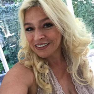 Beth Chapman Bio Facts Wiki Net Worth Affair Husband Married